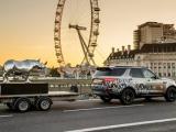 Eenmaal, andermaal, verkocht: Land Rover levert flink bijdrage met veiling voor bedreigde neushoorn