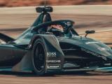 Porsche maakt kilometers met Formule E-racer