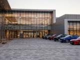 Jaguar land rover opent hypermoderne nieuwe fabriek in Slowakije