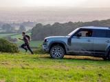 Weddenschap: nieuwe Land Rover x Elliot Brown-horloge inspireert wereldrecordhouder tot een wedstrijd met de Land Rover Defender