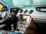 Wat zit er in het handschoenenvak van de nieuwe Mustang?