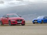 Jaguar xe 300 sport en xe sv project 8 tekenen dubbele helix op strand