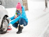 Ruim de helft van de Nederlanders heeft geen idee hoe sneeuwkettingen te monteren