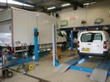 Autoservice D.M.I.: dé specialist in bedrijfswagenonderhoud!