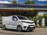 Toyota introduceert PROACE Electric, eerste volledige serie elektrische bedrijfswagens van Toyota