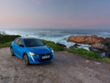 PEUGEOT e‑208 wint titel 'Electric Small Car of the Year' van Brits automagazine What Car?
