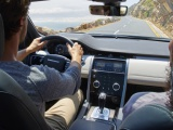 Nieuwe uitvoeringen, geavanceerde technologie en geËlektrificeerde motoren voor Range Rover Evoque en Land Rover Discovery Sport