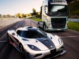Duel tussen de bekende autocoureur Tiff Needell in een Volvo FH en een Koenigsegg One:1