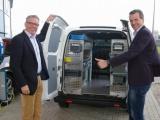 Klanten maken proefrit met 100% elektrische bedrijfswagen!
